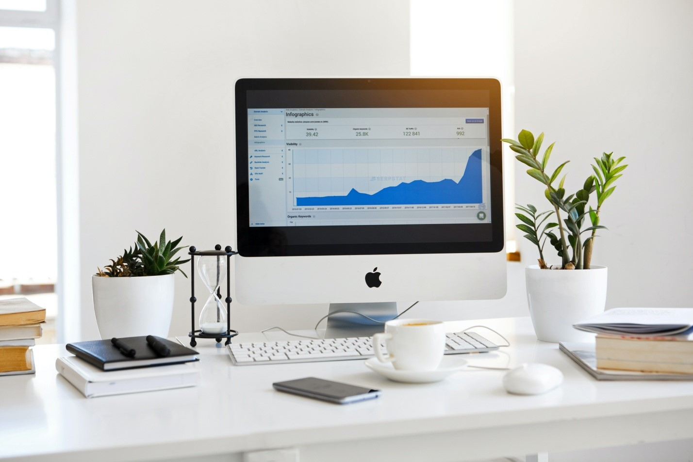 data scientist different from data analyst